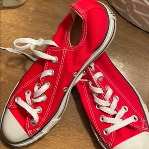 Converse size 8 red